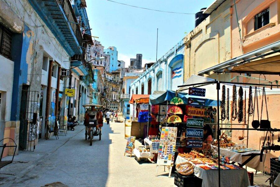 Memorias de la Habana muerta (La economía unerground)